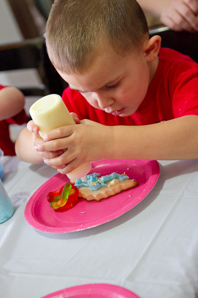 Toddler cookie decorating party - Jenn B Photography ...